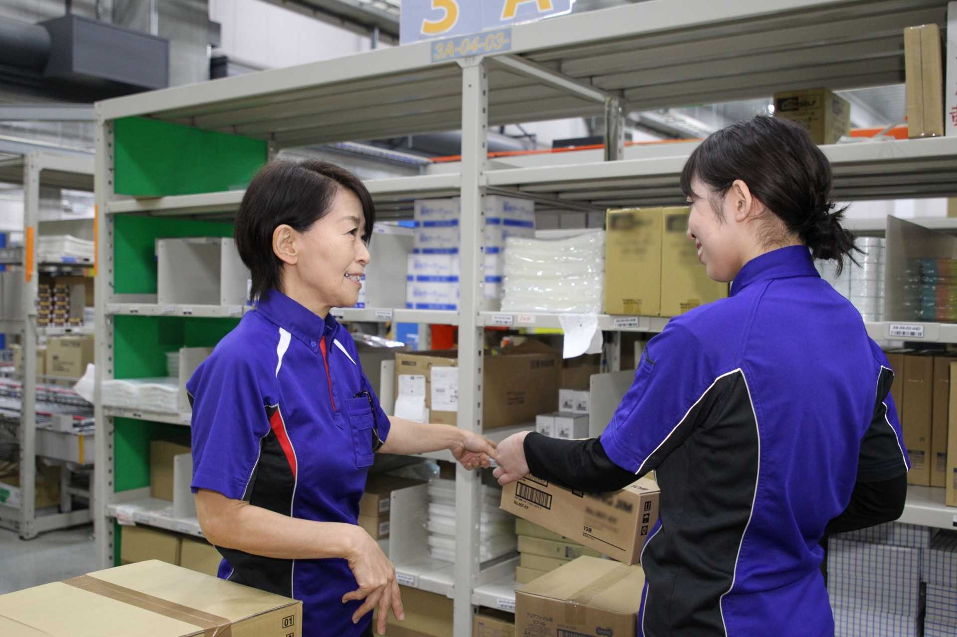 業務改善を繰り返すことで荷主様にもお届け先にも、社員にも優しい物流サービスを目指しています。