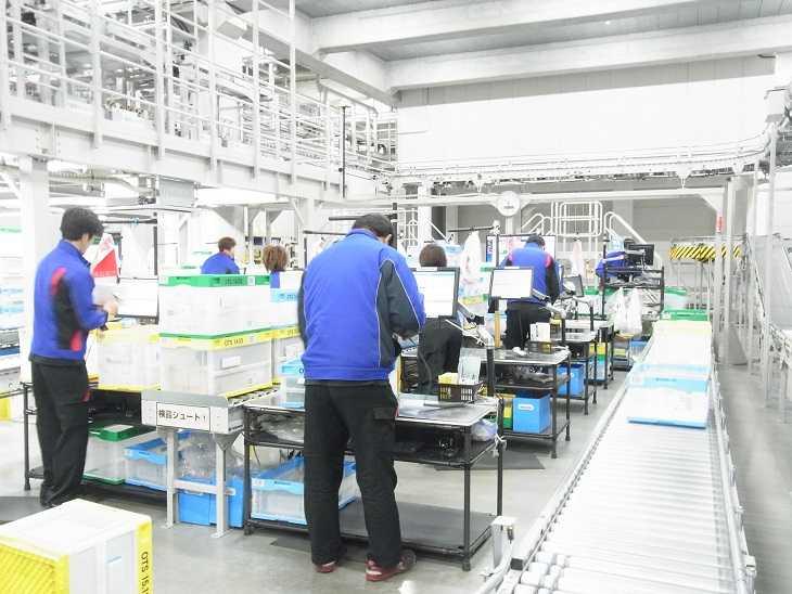 まだ新しい弊社倉庫で快適に勤務できるお仕事です。