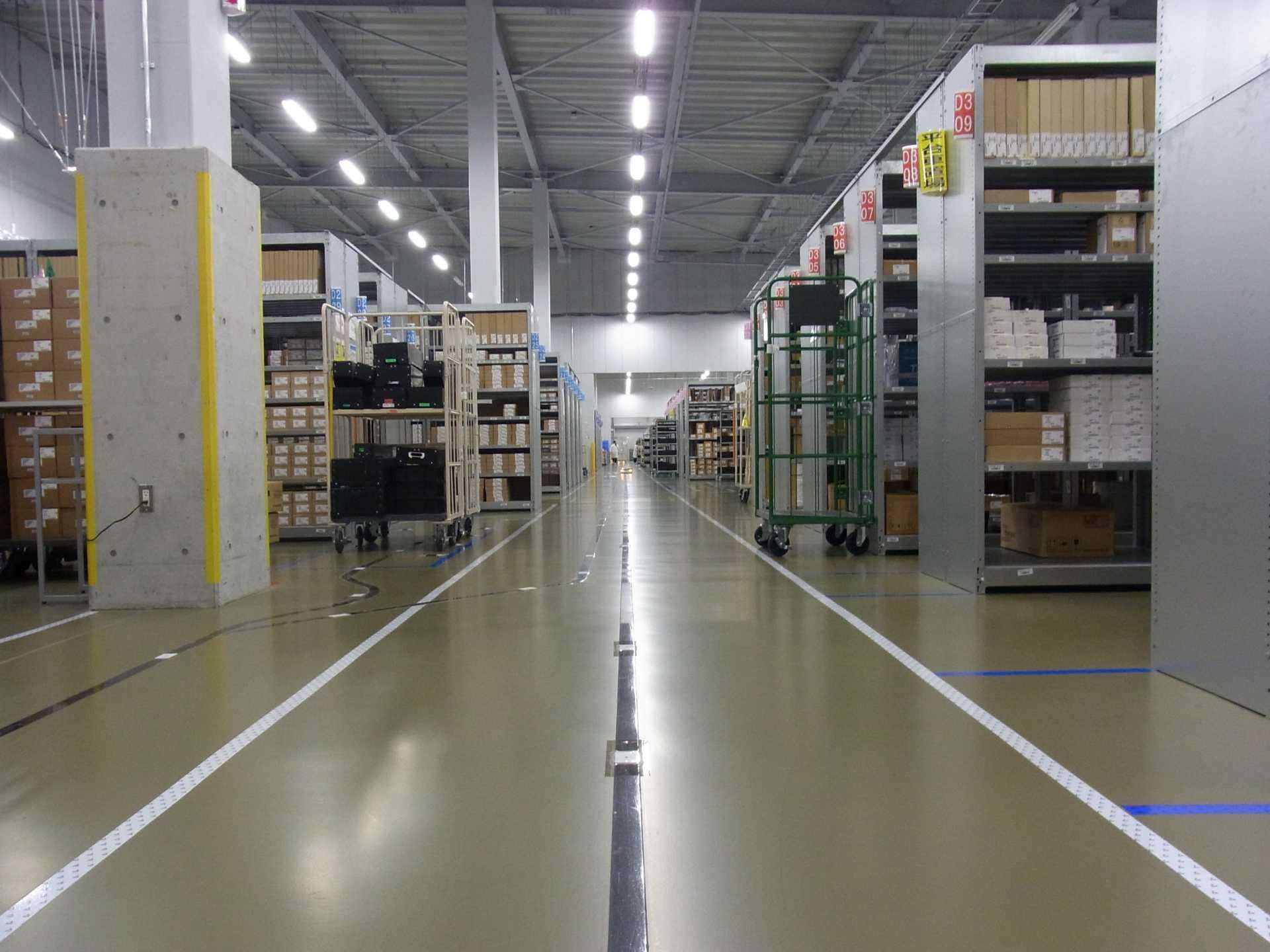 きっと倉庫の概念が変わるキレイな環境です。