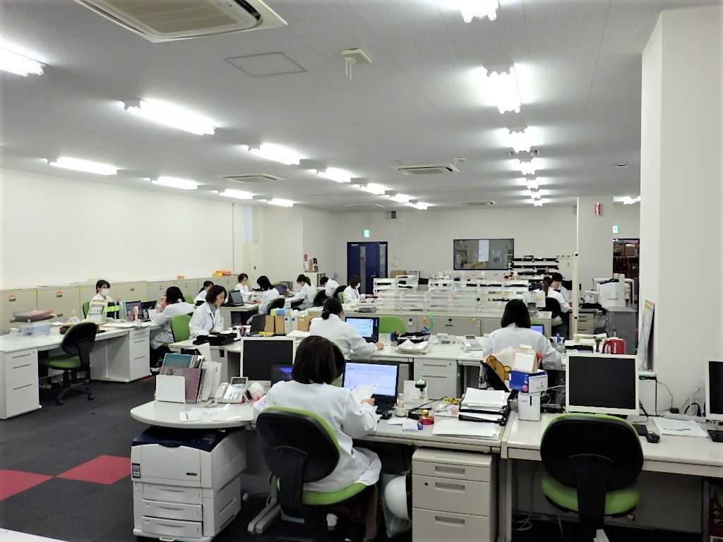 事務所スペースも広々快適!3密とは無縁です。