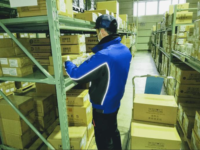 倉庫内での軽作業です。